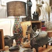 Fermeture des portes ce soir à 19h30 pour une durée indéterminée, mais Samak continue en ligne ! Retrouvez nos produits sur notre site internet, nous expédions partout en France et en Europe ! 🌍 Bon courage à tous et prenez soin de vous ✌ . . . . . #confinement #commerce #independant #soutien #poterie #pottery #sejnane #faitmain #décoration #instadeco #home #stayhome #eshop #objet #black #artisanattunisien #deco