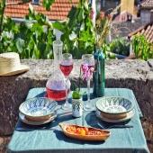 Le vert, couleur de la nature et du bien être s'invite à votre table... 🌿💚 . . . . #green #vert #greenlife #nature #lyon #beautiful #vew #chapeau #assiette #artdelatable #verresoufflé #verre #vase #boisdolivier #carafe #plat #fouta #lyoncity #onlylyon #boutique #bienetre #flowers #artisanat #decoration #table #summer #handmade #faitmain