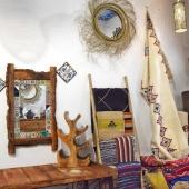 Chaque jour, nous préparons activement la réouverture de Samak pour vous accueillir au mieux dès le 11mai : grand nettoyage, rangement et surtout mise en place du protocole pour un accueil en toute sécurité 👌Au plaisir de vous retrouver 😃 . . . #boutiquedeco #magasindeco #shoppinglyon #bonneadresselyon #shopsafe #11mai #artisanat #faitmain #artisanatunisien #handmadeonly #décoration #decodinterieur #tapis #mobilierbois #miroir #miroirsoleil  #inspirationdeco #instadeco