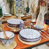 Retrouvez la chaleur de l'artisanat tunisien dès samedi 28 novembre avec la réouverture de la boutique à Lyon 🌞 Pour avoir le temps de trouver tous vos cadeaux, nous serons ouverts 7 jours sur 7 jusqu'aux fêtes de fin d'année :  👉 Du mardi au samedi de 10h à 19h30 👉 Le dimanche de 12h à 19h 👉 Le lundi de 14h à 19h Au plaisir de vous retrouver 😀 . . . #reouverture #petitscommerces #samedi #artisanat #vaisselle #bleu #table #faitmain #decotable #verresoufflé #handcraft #assiette #ideecadeau #authentique #céramiste #berbere #lyon6ème #commercelyon #artisanatlyon