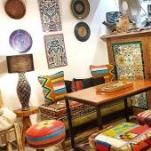 La boutique-café Samak attend impatiemment de pouvoir vous accueillir a nouveau. ! 💛  En attendant nous venons tous les jours pour préparer vos commandes et mettre en ligne de nouveaux produits, n'hésitez pas à visiter régulièrement notre site  web et à nous contacter pour toute question 😊 . . . #decoconcept #décoration #color #homeinspiration #bohodeco #bohofolk #bohemianhome #berbere #kilim #ceramique #artisanattunisien #carreauxdeciment #shoponline #commerceindependant #petitcommerce #coffeeshop #concepstore